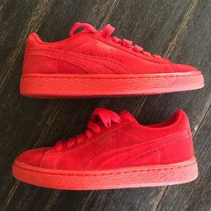 PUMA All red sneakers